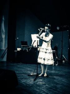 La mariée chante, aussi