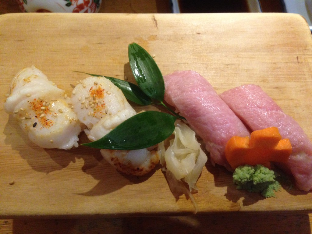 Saint-jacques snackées et thon gras