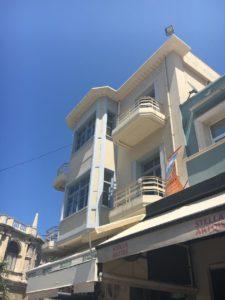 Tiens, du Bauhaus sous le soleil, on se croirait à Tel-Aviv...